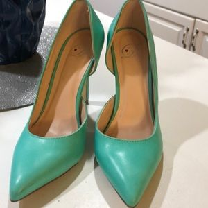 Shoes - Beautiful teal colored high heels size 6.5
